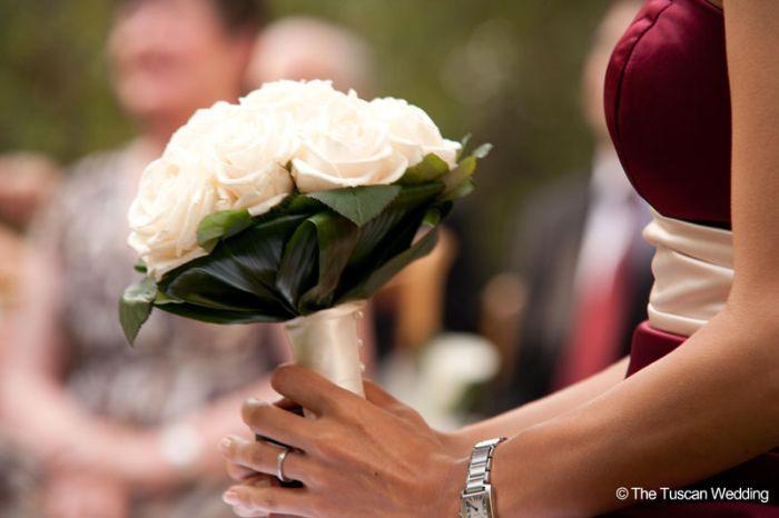 Aya & Richard Wedding in Italy // White rose Bouquet // The Tuscan Wedding