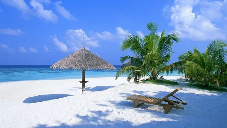 Bahamas Wedding and Honeymoon Guide // Holidaysplease // weddingsabroadguide,com