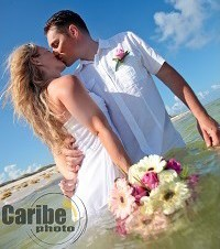 How to choose your destination wedding location | Caribe Photo Mexico | weddingsabroadguide.com