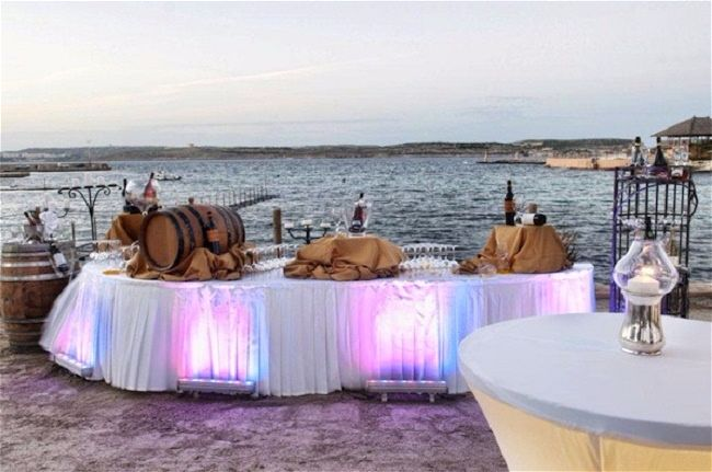Hola Beach Club- Our Top Tips for the Best Wedding Venue in Malta. We look at the five best wedding reception venues and tell you why they stand out from the rest. // WedOurWay - idoweddingsmalta.com // WeddingsAbroadGuide.com