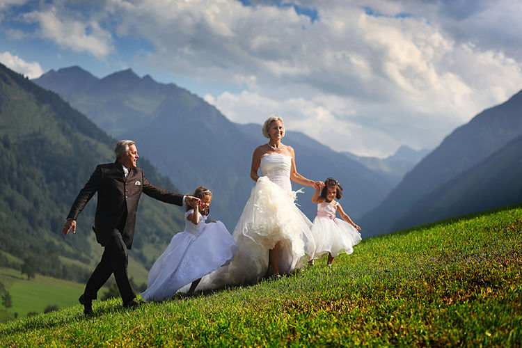 Information on getting married in Austria // Horia Photography // Schloss Prielau