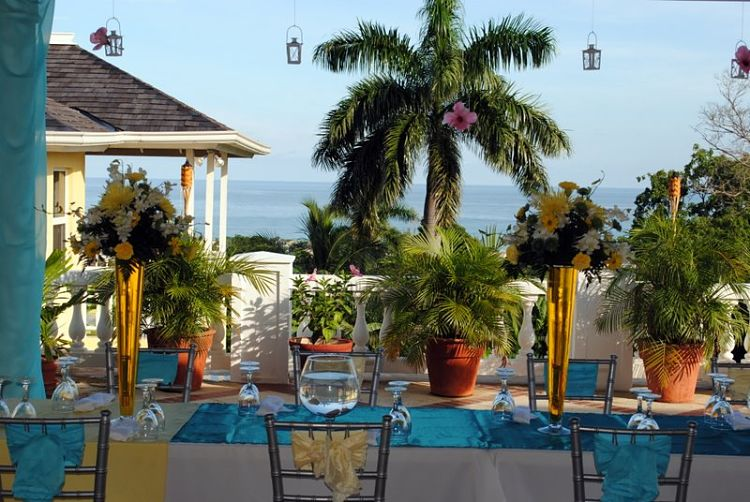 Wedding Guide Jamaica // Hummingbird Hall-Wedding Venue Jamaica // weddingsabroadguide.com