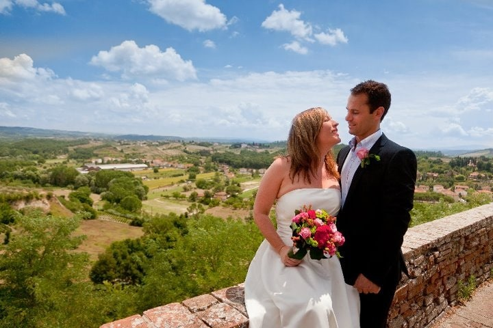 The Best Italy Wedding Locations -James & Nikki's wedding in Tuscany - Glam Events in Tuscany - Cristiano Brizzi Photography - weddingsabroadguide.com