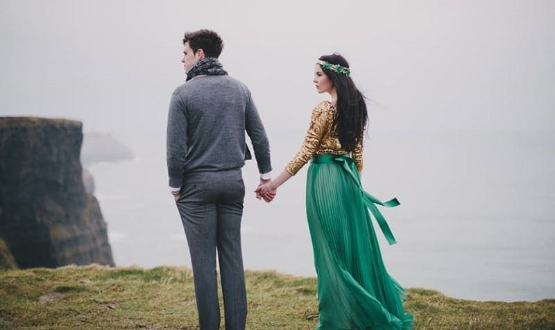 Information & advice on getting married in Ireland // Michaela & Cathal at the Cliffs of Moher // Photography: Cottonwood Studios