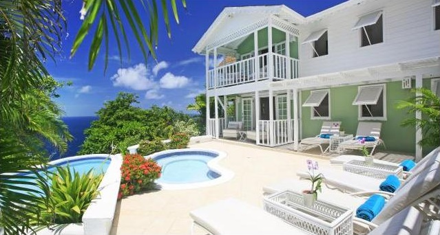 St Lucia honeymoon and guest accommodation // Olivers Travels // weddingsabroadguide.com