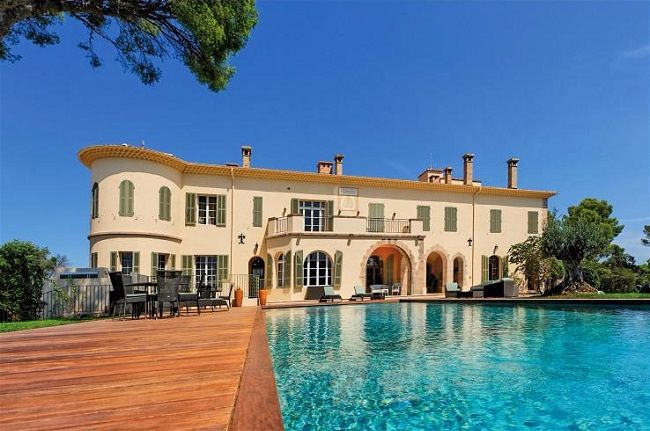 Wedding on the French Riviera - Venue Spotlight 4 Private Villas within 45 minutes of Nice // Villa Amalie